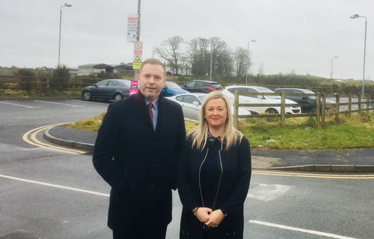 Chris Hazzard MP & Sinead Ennis MLA have welcomed confirmation from Department for Infrastructure (DfI) that they are to invest more than £200,000 in 106 new park & share spaces at the Sheepbridge on the outskirts of Newry.