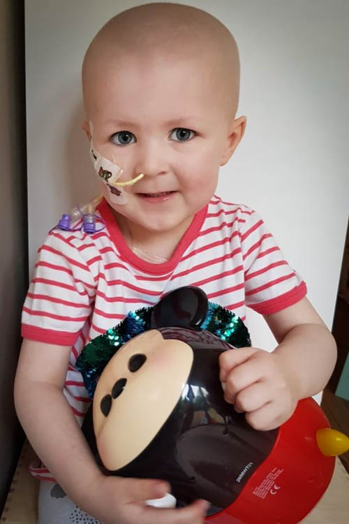 Three year old Ellen Treanor who is battling with stage 4 cancer.