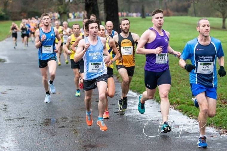 Gary Crummy in full flight at the Seeley Cup 10k