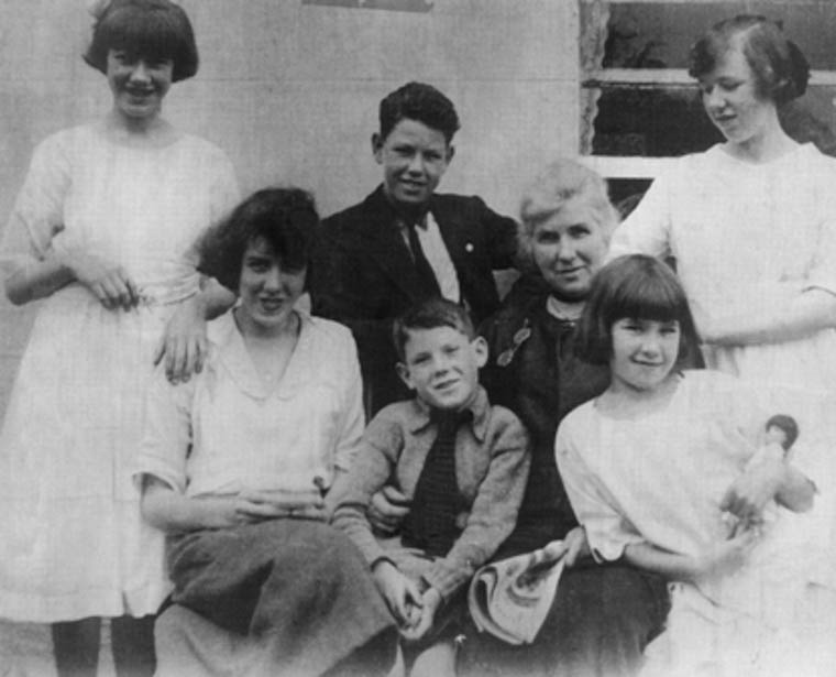Members of the Donnelly family. Clockwise from rear left: Maureen Donnelly, Frank Donnelly (d. 24th July 1932), Marianne Donnelly (wife of Éamon Donnelly) (d. 6th March 1944), Kay Donnelly (d. 27th May 1941), Nora Donnelly, Sean Donnelly, and Eleanor (Nelly) Donnelly. Undated. Courtesy of Donal Donnelly-Wood