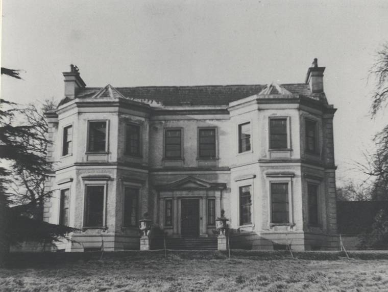 The Glen, the birthplace of Joseph Barcroft, and its demesne were purchased by John Grubb Richardson for his niece and her future husband in 1867 for £5,500. It was to remain the family home of the Barcrofts for the next eight decades. The house is now demolished. Newry and Mourne Museum Collection