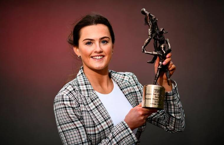 Aimee Mackin with the TG4 Senior Players 'Player of the Year' Award. Photograph: David Fitzgerald - Sportsfile